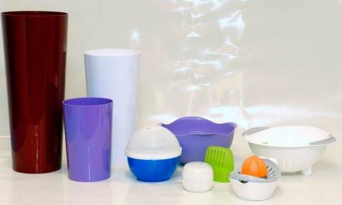 Casalinghi In Plastica Produzione.Stampi In Plastica Per Automotive